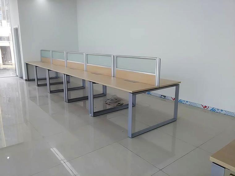 青岛钢架办公桌