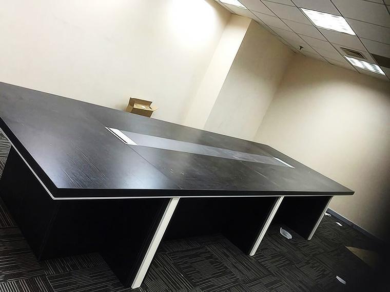 黑浮雕加厚会议桌