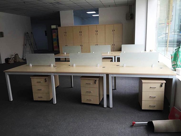 6人组合办公桌