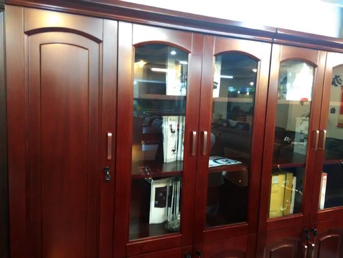 青岛实木书柜
